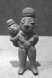 メキシコ文化人類博物館には、多くの異形人像が展示されている